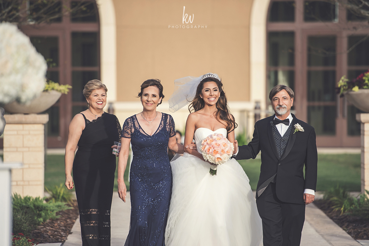 Amazing wedding held at the Four Seasons Orlando Photographer