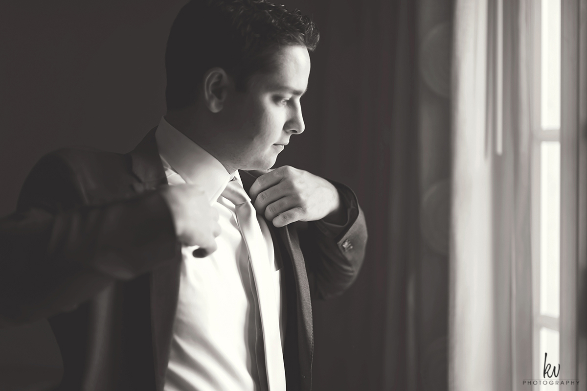 Groom getting ready for Tampa Bay Watch wedding